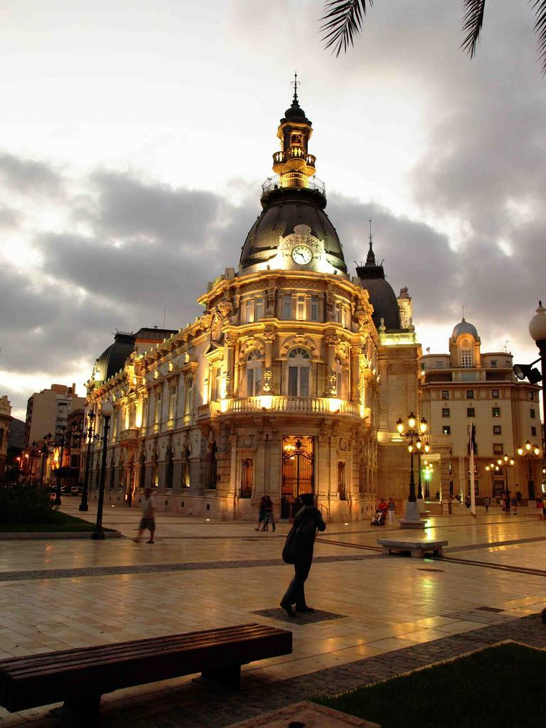 popular Español tantra cerca de Cartagena